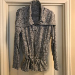 Athleta Kickback Sweatshirt XL Heathered Grey
